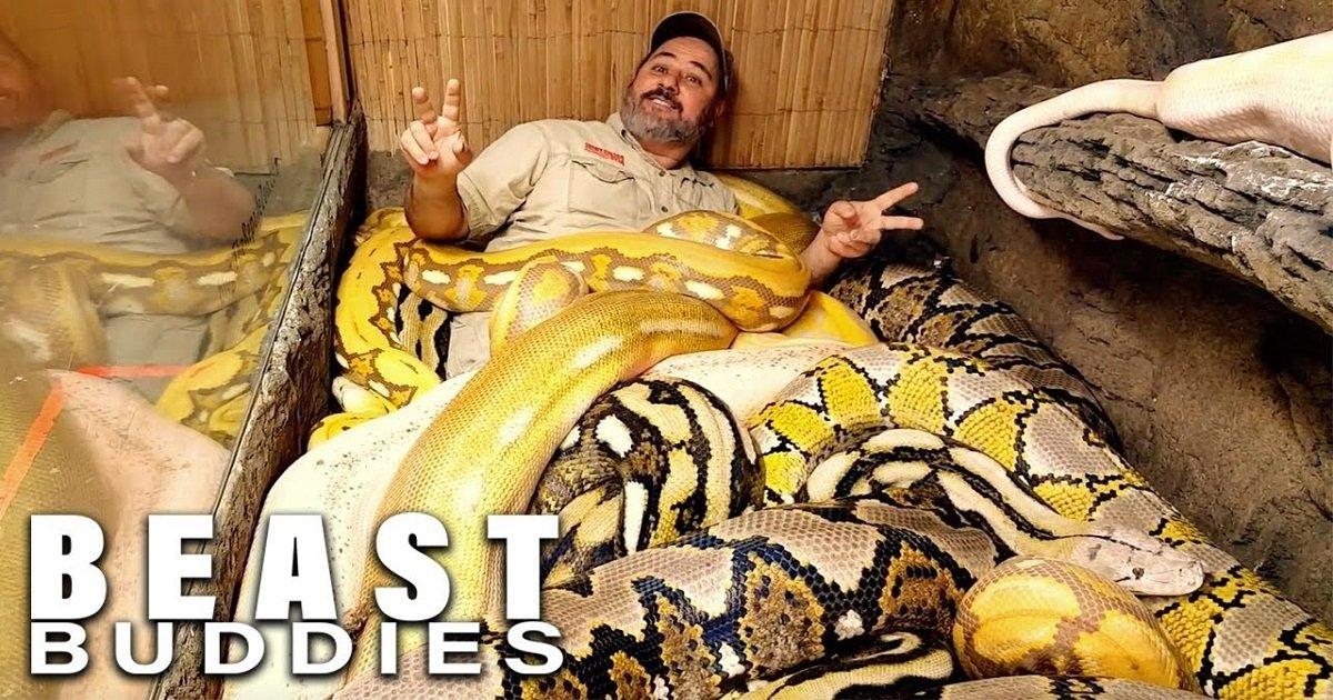 """s3 6.jpg?resize=1200,630 - Avid Snake Owner Dubbed The """"Snake God"""" Loves Wrestling 20-Foot Pythons"""