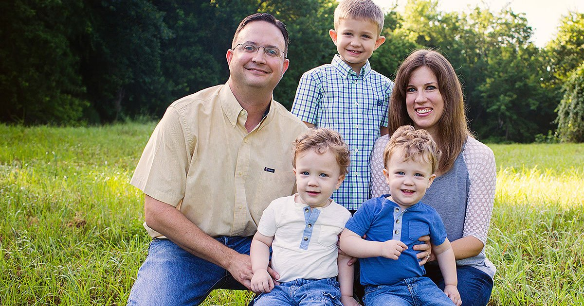 untitled 1 5.jpg?resize=412,232 - Ces parents ont perdu leurs jumeaux d'un cancer à 18 mois d'intervalle