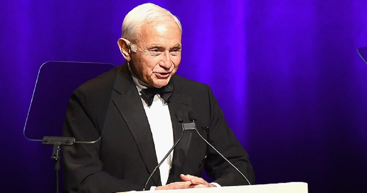 v3.jpg?resize=1200,630 - Les Wexner Stepped Down As L Brands CEO After Nearly 60 Years On The Helm