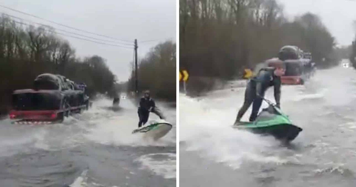 3 6.jpg?resize=1200,630 - Jet Skiers Used The Storm To Their Benefit By Performing Tricks On Flooded Roads