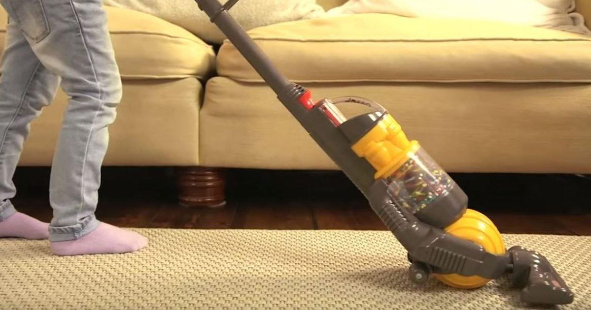 Insolite : Un mini aspirateur Dyson pour que vos enfants