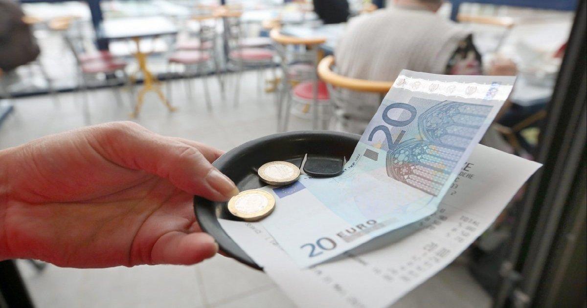 tips.jpg?resize=412,232 - Avant le confinement, un homme a laissé 9.000 euros de pourboire à un restaurant pour les employés