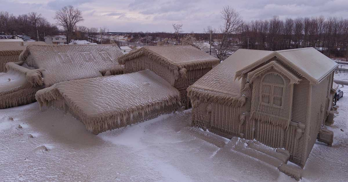 """twitter.jpg?resize=1200,630 - New York Homes """"Frozen"""" After Two Days Of Extreme Gale-Force Winds"""