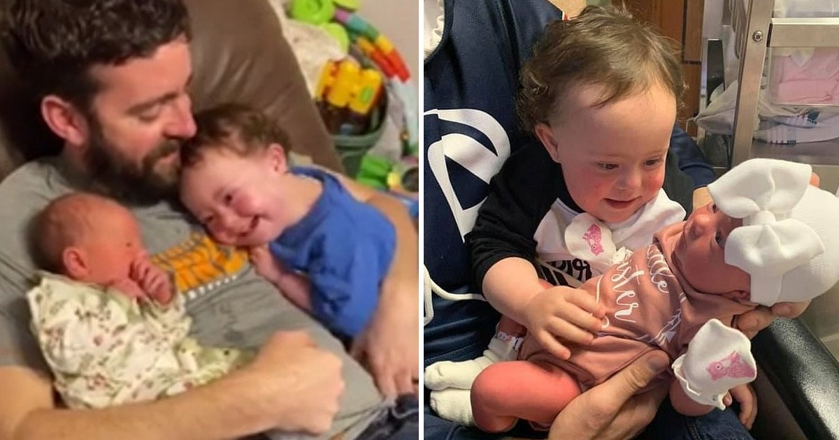 111.jpg?resize=1200,630 - One-year-old Boy With Down Syndrome Can't Stop Smiling After Meeting His Baby Sister