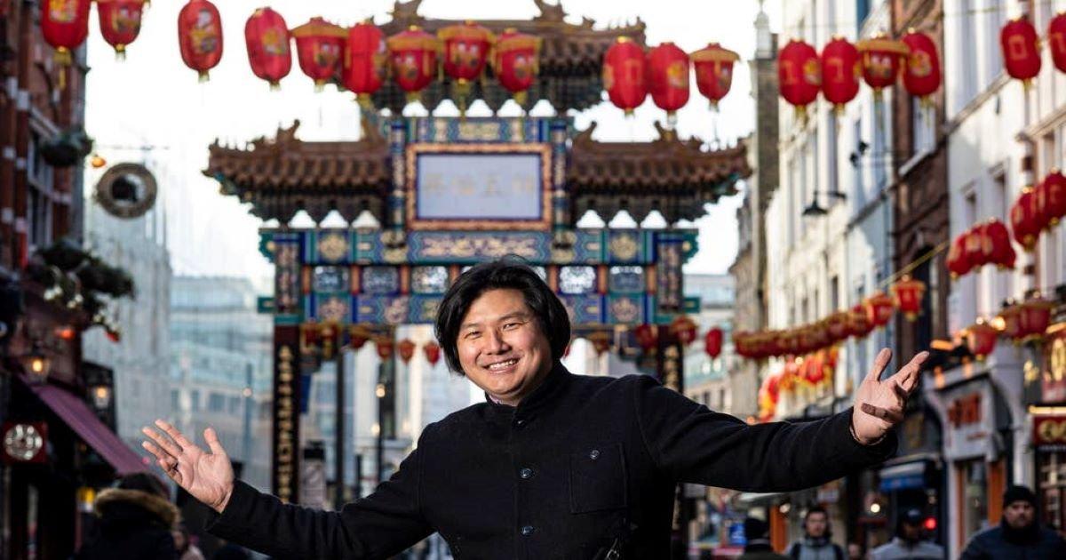 ec8db8eb84ac 72.jpg?resize=412,232 - Ignorant Racism Turns To Celebrity London's Dumplings' Legend Chef Inciting Anger