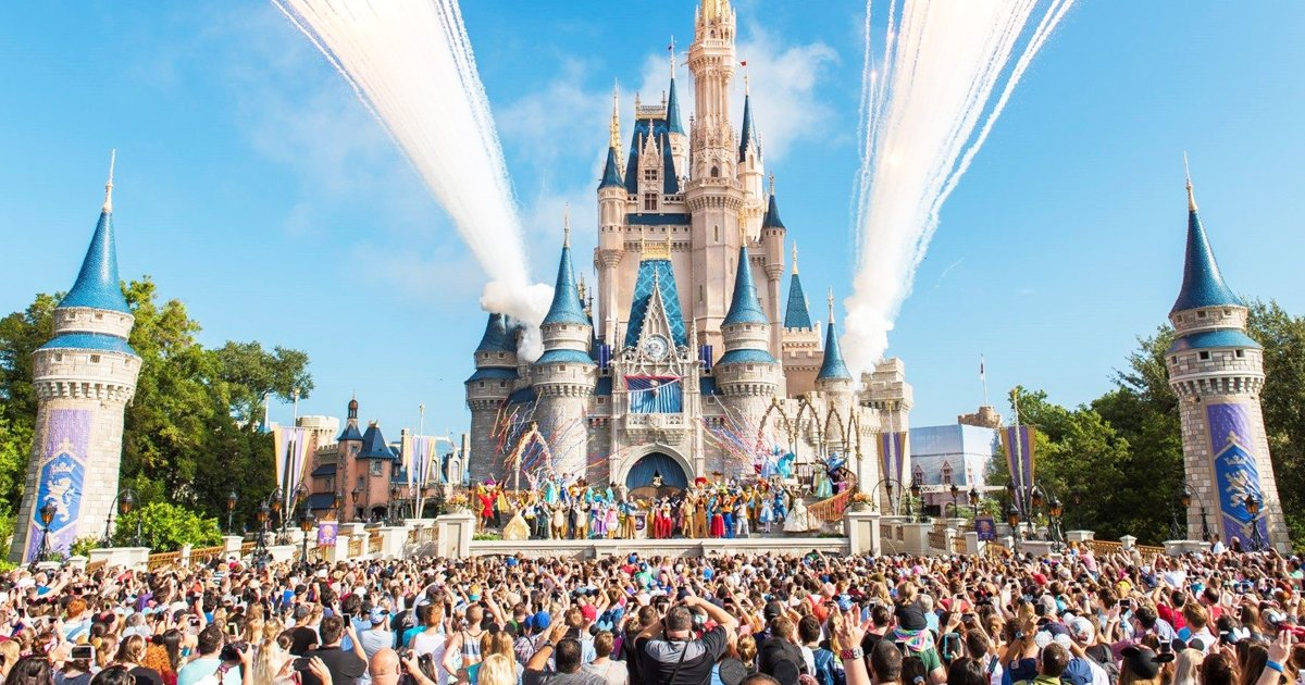 gsddsd.jpg?resize=1200,630 - Coronavirus: Disney Theme Parks Are Expected To Remain Shut Till The Dawn Of 2021