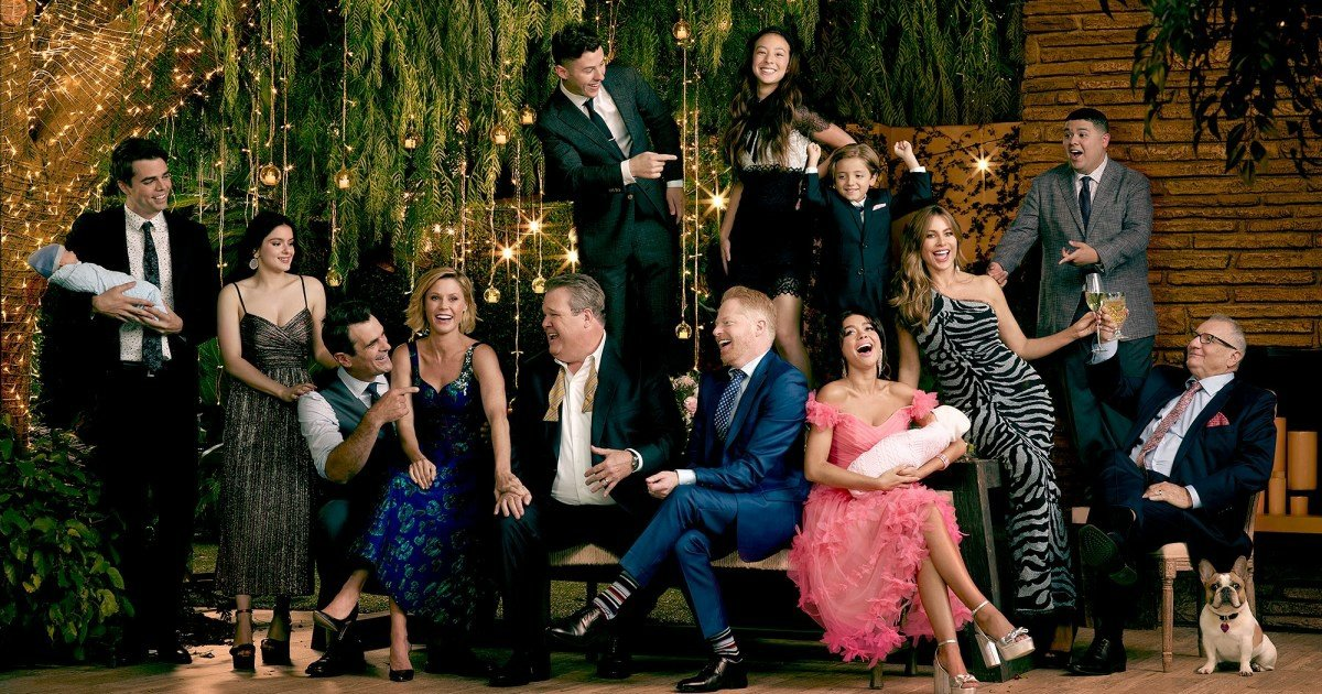 kakaotalk 20200409 185153786.jpg?resize=1200,630 - 'Leave The Porch Light On' - America's Last Great Pioneering Sitcom 'Modern Families' Says Farewell