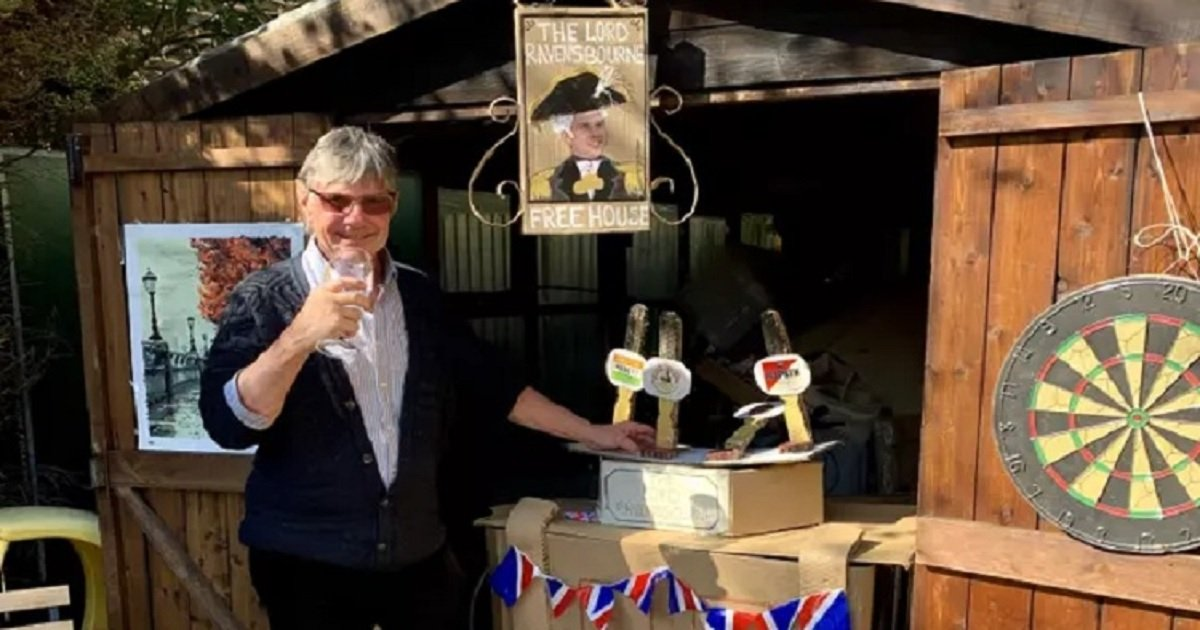 p3 2.jpg?resize=1200,630 - Daughter Built Dad A Pop-Up Pub In Their Garden To Celebrate His Birthday During Lockdown