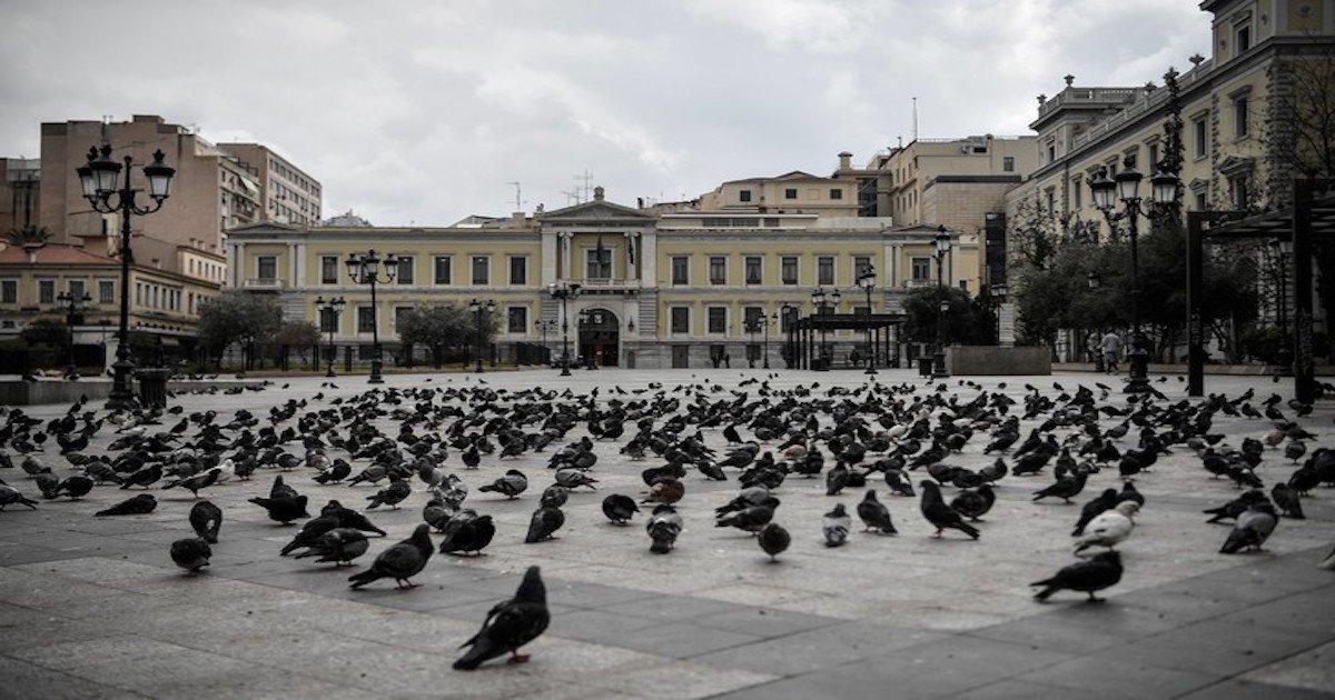 place deserte athenes 23 2020la oeuvre mesures confinement 1 729 486.jpg?resize=412,275 - Covid-19: La Grèce devient un exemple pour l'Europe