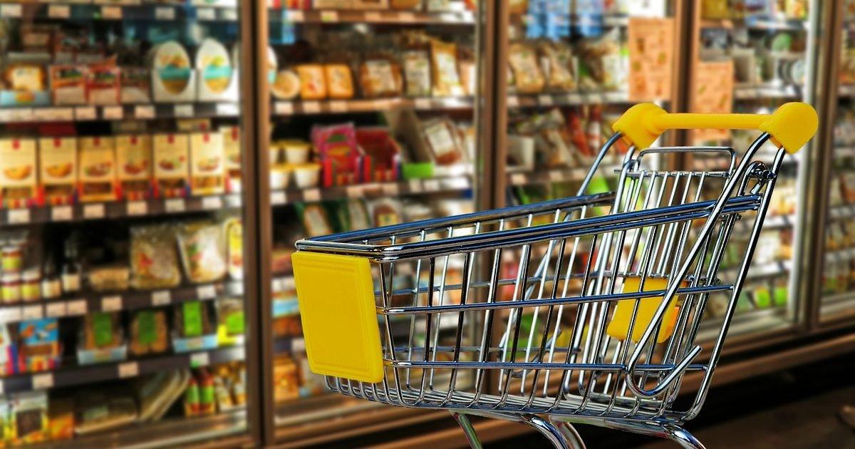 shopping 2613984 1280 e1586200124805.jpg?resize=412,232 - Coronavirus: un patron double le salaire de ses employés pour les remercier