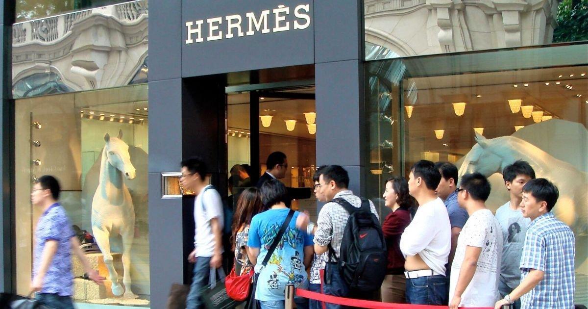 vonjour5 1.jpg?resize=1200,630 - Chine : record de vente pour une boutique Hermès qui venait de rouvrir après le confinement