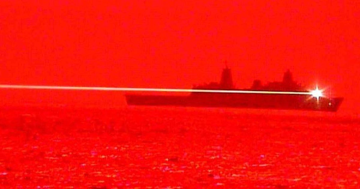 1590493698 uss portland laser e1590517610764.jpg?resize=1200,630 - Les États-Unis ont testé avec succès une arme laser qui peut détruire un drone en plein vol