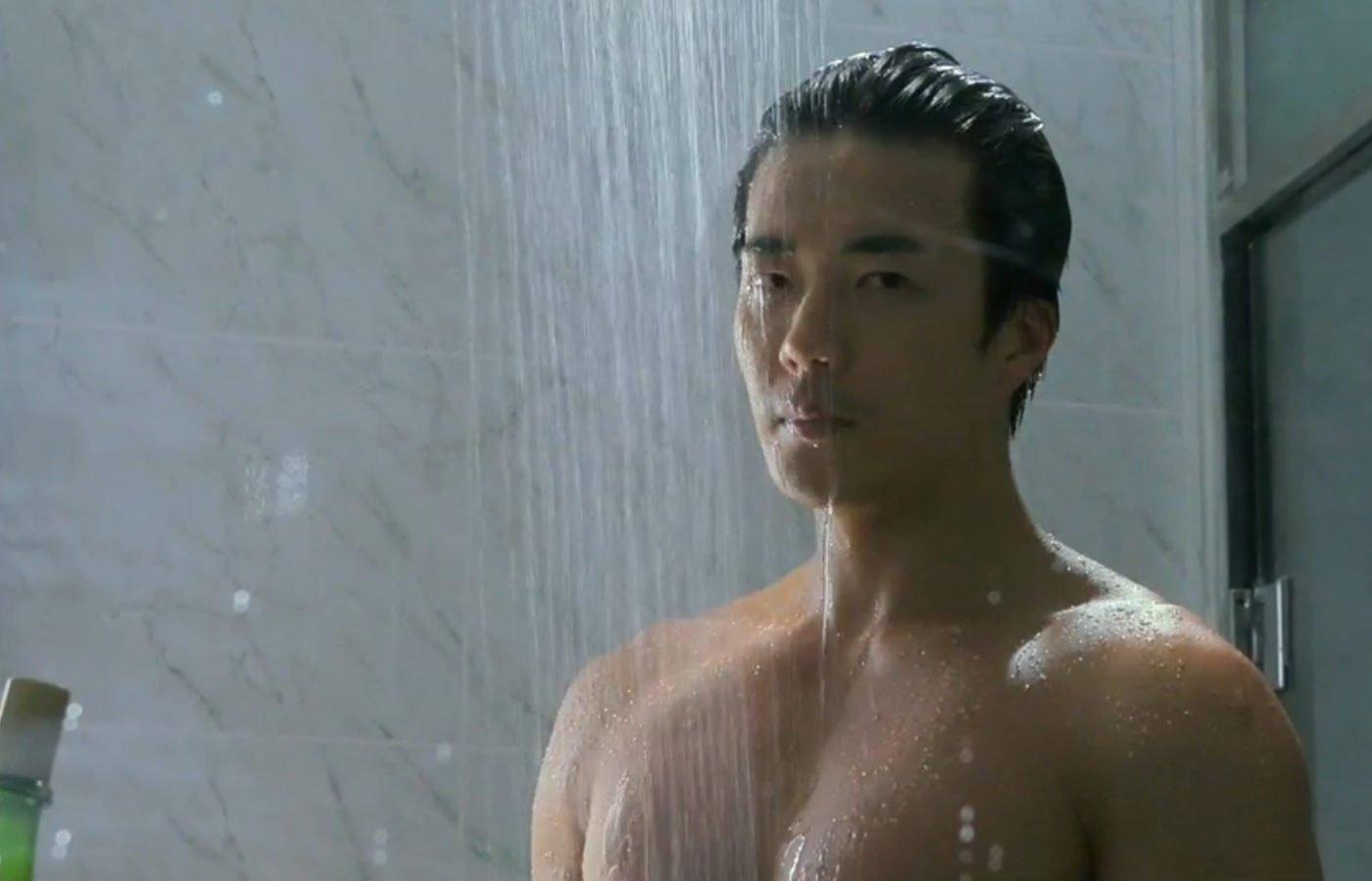 운동 전에 샤워를 하면 좋은 이유   지큐 코리아 (GQ Korea)