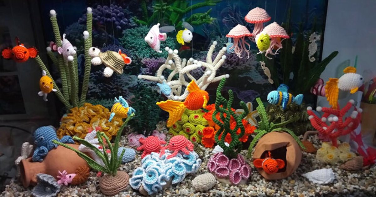 linda8.png?resize=1200,630 - Woman Created A Beautiful, Colorful Aquarium Made Out Of Yarn