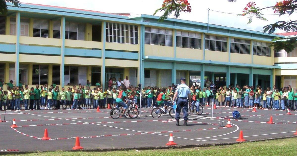 overblog e1588678525401.jpg?resize=1200,630 - Réouverture des écoles : Les élus de Guadeloupe votent pour une rentrée en septembre