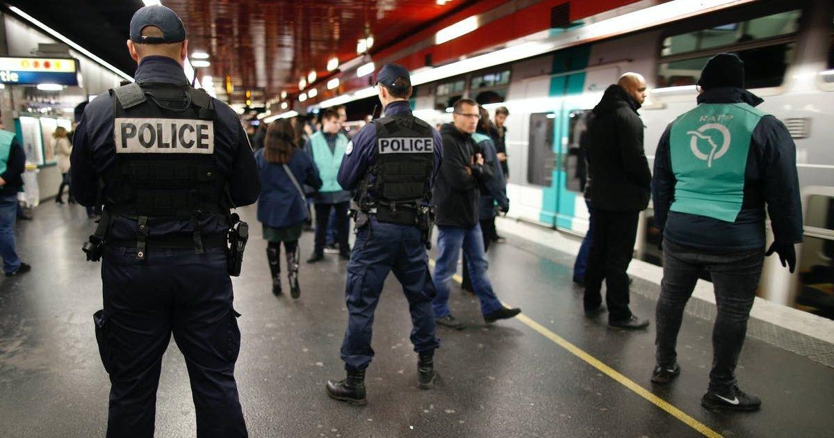paris attestation police e1589190179828.jpg?resize=1200,630 - Téléchargez les nouvelles attestations pour les transports en commun en Ile-De-France