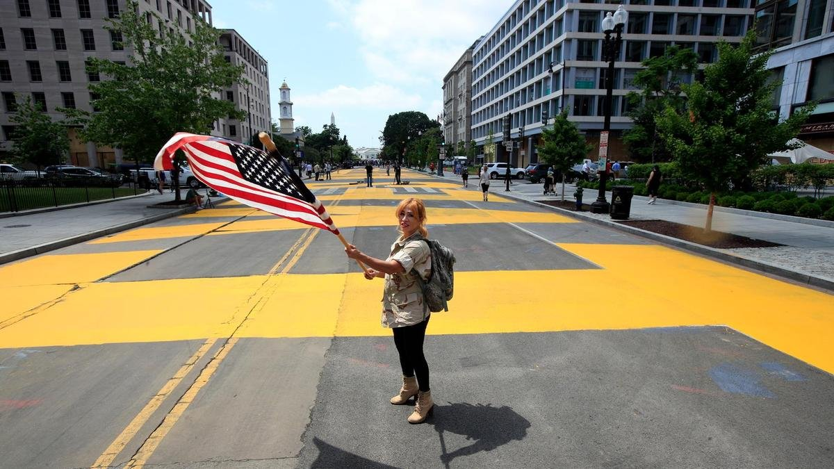 Road to White House painted with Black Lives Matter mural - The ...