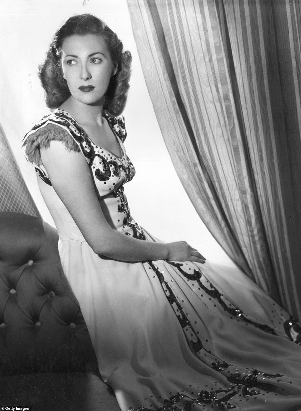 Dame Vera, pictured in 1940, shortly before she married her musician husband Harry Lewis in 1941 after meeting him in 1939