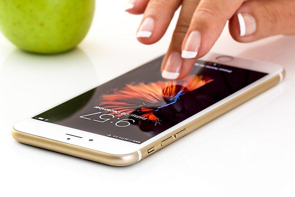 스마트폰, 핸드폰, 애플 전화, 아이폰, 모바일, 통신, 소셜 미디어, 기술, 휴대 전화, 연결