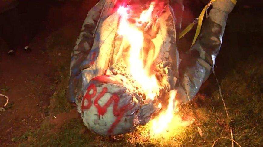DC protesters take down, burn statue of Confederate general ...