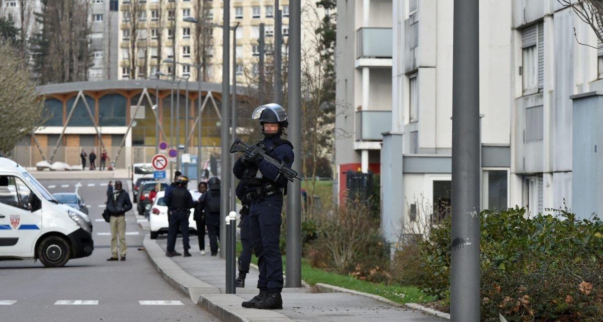 besancon 1.jpg?resize=1200,630 - Besançon: suite aux fusillades liées au trafic de drogue, une opération policière a eu lieu dans le quartier de Planoise