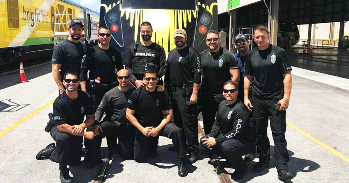 dsfdasfds.jpg?resize=1200,630 - 10 SWAT Officers in Florida Quit the Unit Over 'Political Heat'