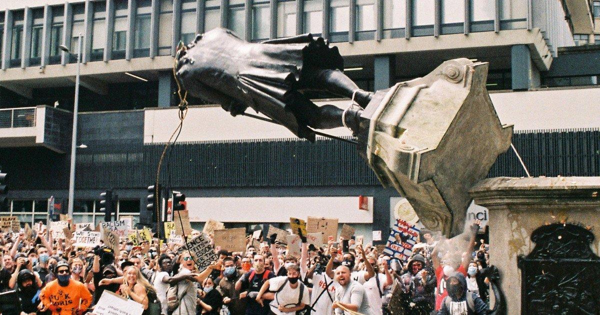 ec8db8eb84ac 1 10.jpg?resize=412,275 - Vulgar Vandalism As Black Statues Are Bleached By Hoodlums In Bristol