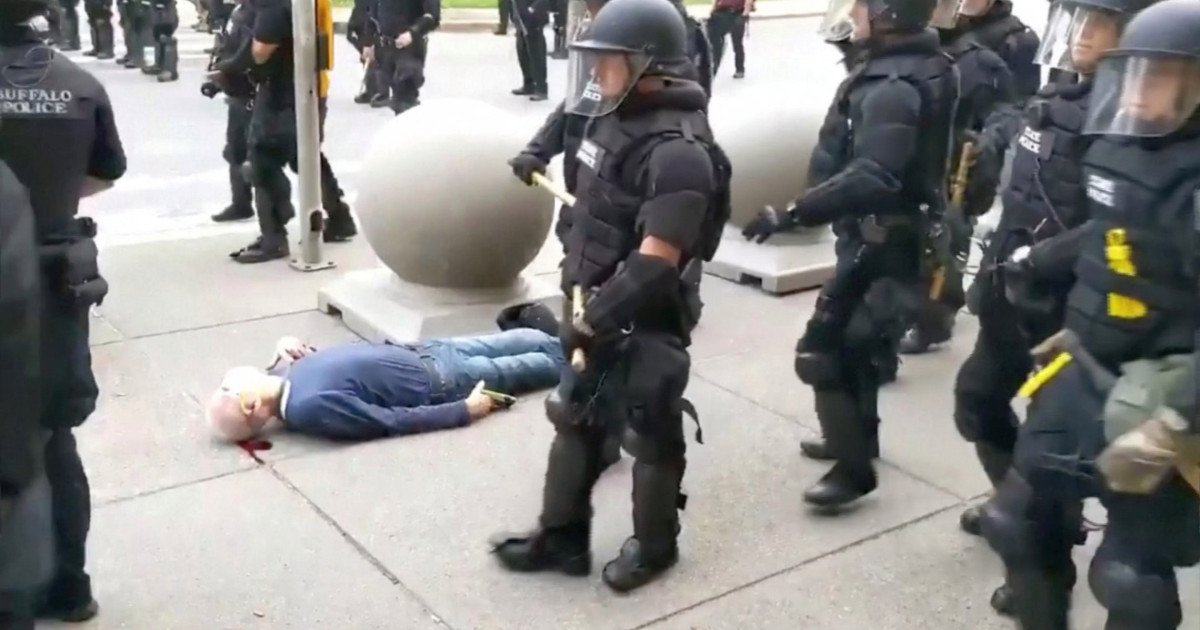 ec8db8eb84ac 1 5.jpg?resize=412,232 - 57 Police Officers Resign In Protest After Their Colleague Critically Injures Protester Ends Up Suspended