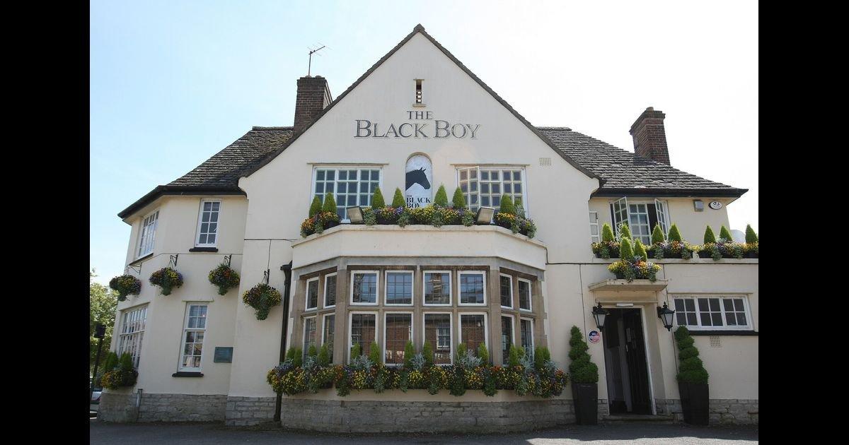 ec8db8eb84ac 2 7.jpg?resize=412,232 - The British 'Black Boy' Pubs May Close Due To Anti-Racism