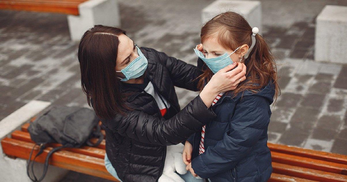 masque 1.jpg?resize=412,232 - Coronavirus: le masque va-t-il rester obligatoire pendant encore longtemps ?