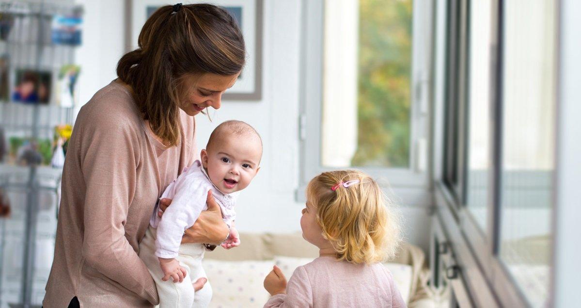 mere foyer.jpg?resize=1200,630 - Savez-vous que le travail d'une mère au foyer est l'équivalent de 2,5 emplois à plein temps ?