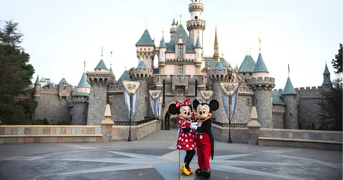 mickey and minnie at.jpg?resize=1200,630 - Disneyland Resort Delays Anaheim Theme Parks Reopening
