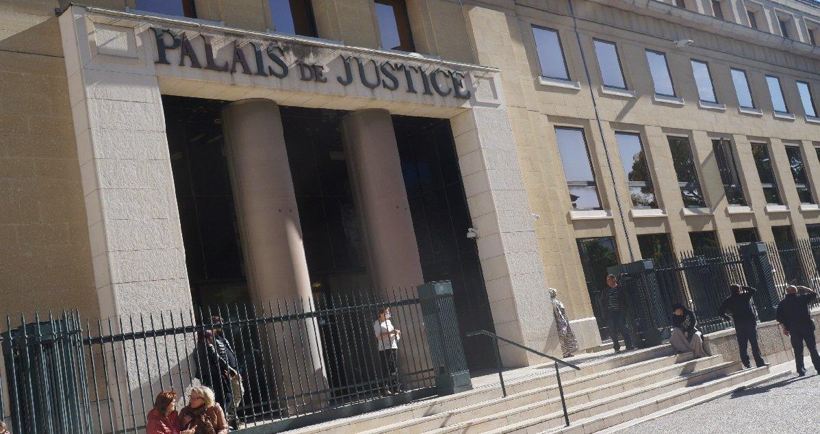 nimes.jpg?resize=1200,630 - Nîmes: un homme lourdement armé s'est introduit au tribunal