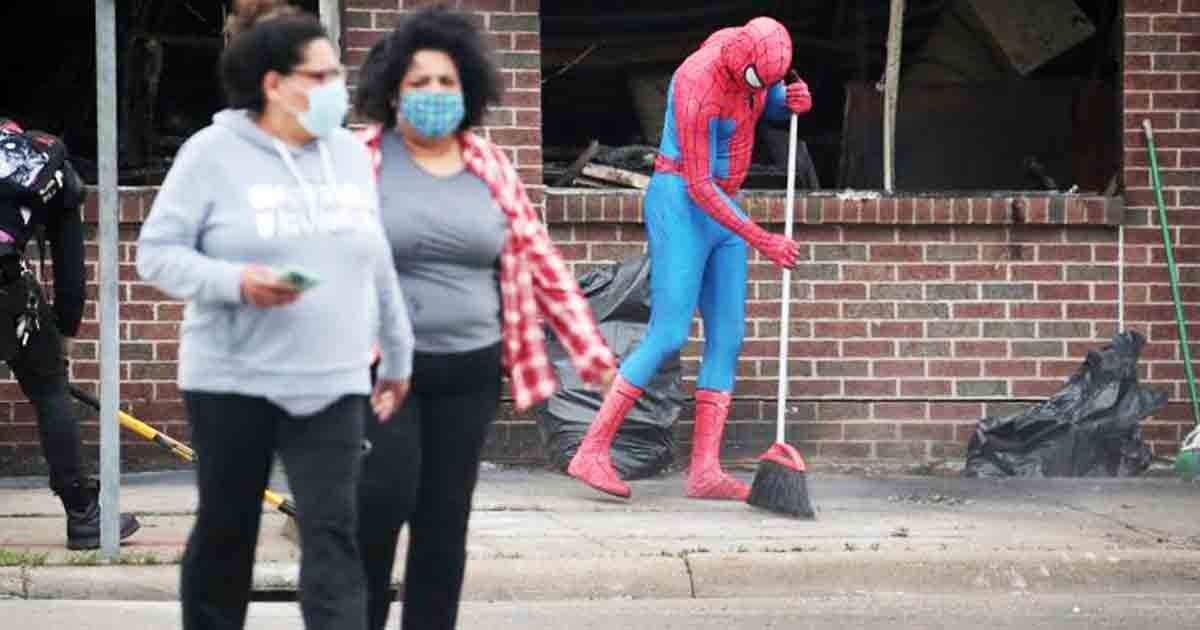 thumbnail.jpg?resize=412,232 - United We Stand: Communities Clean Together After Protests