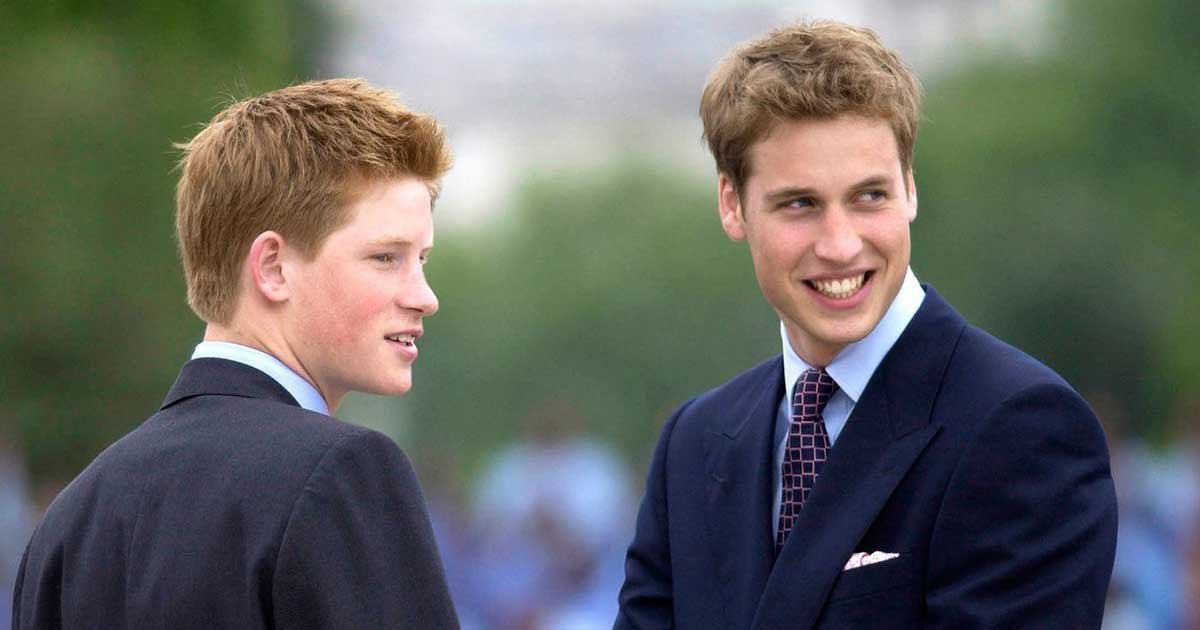 """williamharryhold.jpg?resize=1200,630 - Prince William and Prince Harry's Story To Be Explored In New Book """"Battle of Brothers"""""""