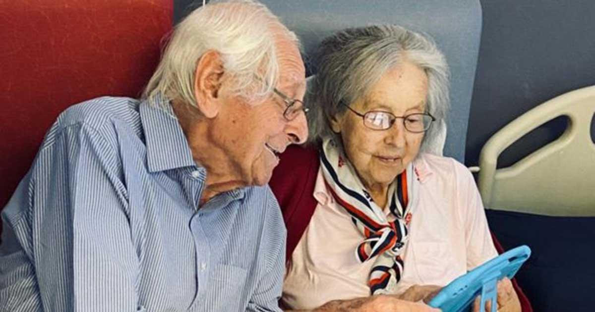 113493798 mr mrsengland1.jpg?resize=1200,630 - Elderly Couple Beat Coronavirus Together