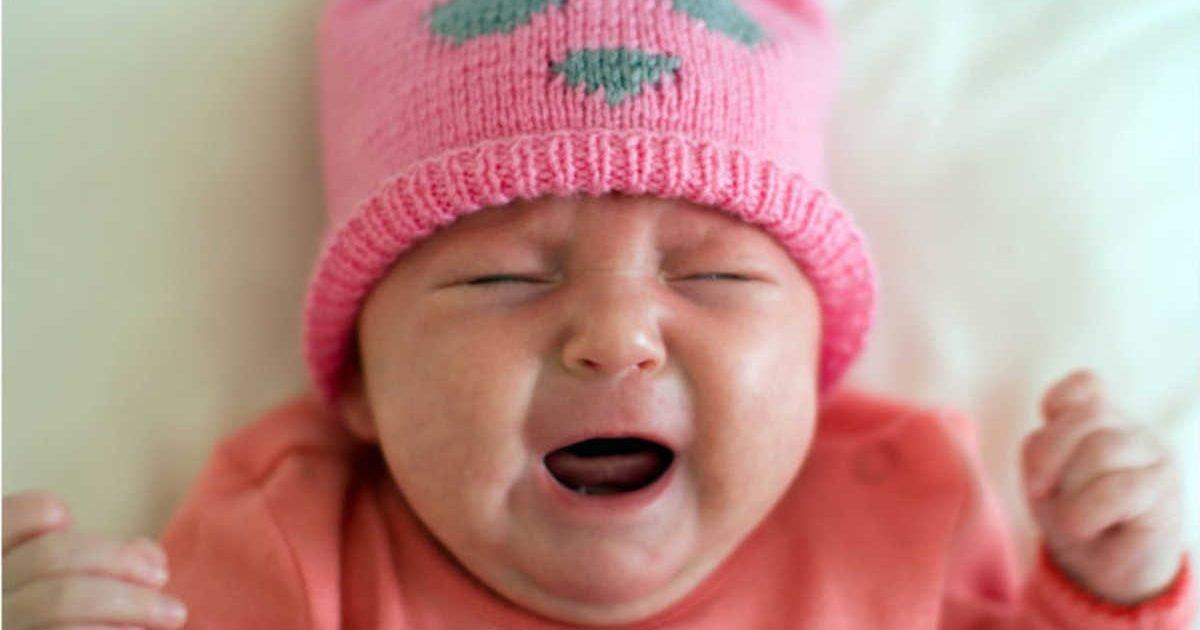 157314 newborn crying e1596134285999.jpg?resize=412,232 - Selon une étude les bébés pleureraient la nuit pour empêcher leur mère de retomber enceinte