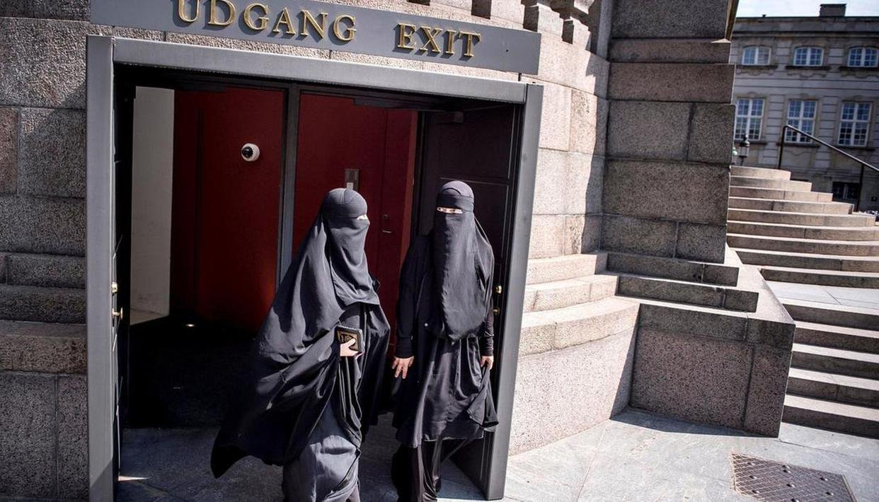 German state bans burqas in schools, says it doesn