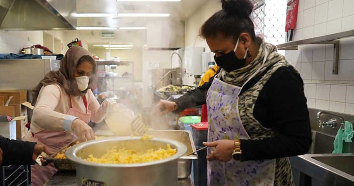 5 55.jpg?resize=1200,630 - Women Volunteered To Cook Free Meals During Melbourne's Second Lockdown