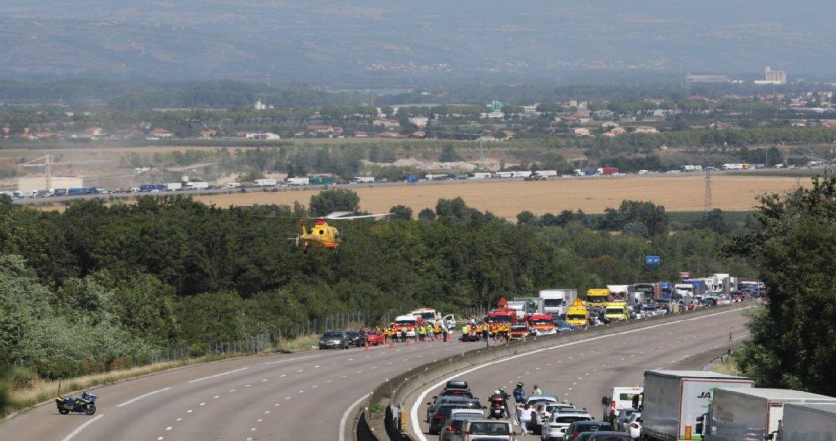 a7 1.jpg?resize=1200,630 - Drôme: un accident de voiture sur l'A7 a tué cinq enfants et grièvement blessé quatre adulte