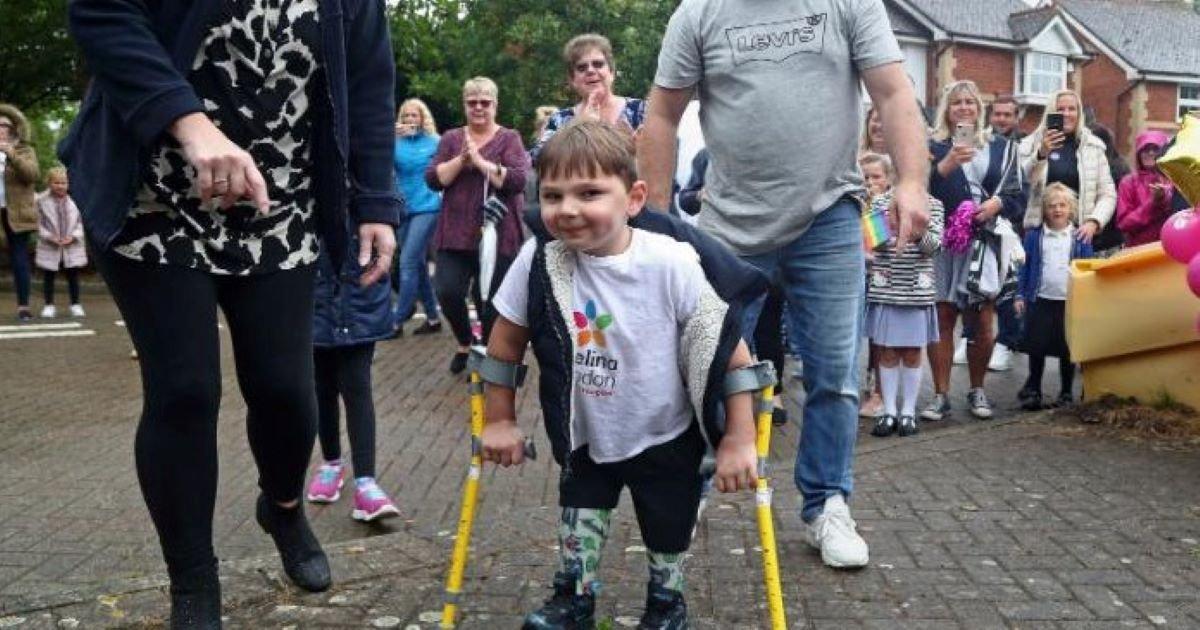 ec8db8eb84ac 1 1.jpg?resize=1200,630 - The 5-Year-Old On Prosthetic Raises Million Dollars Taking Miracle Steps