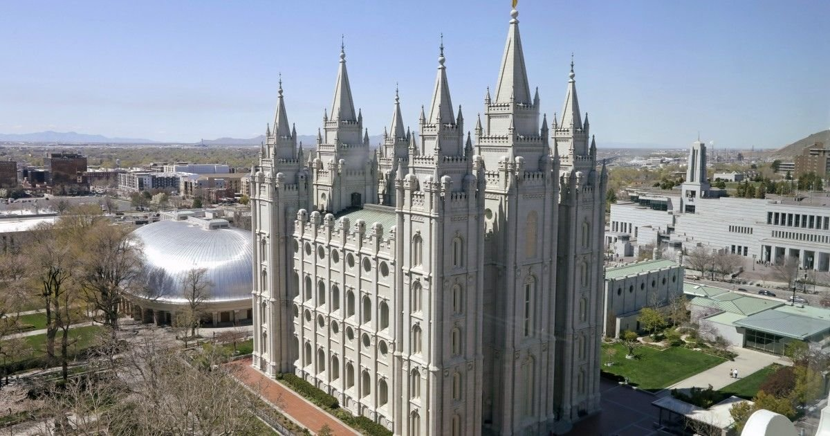 rock bowner associated press.jpg?resize=1200,630 - Mormon Leaders Ask Their Members To Wear Face Masks as Church Activities Resume