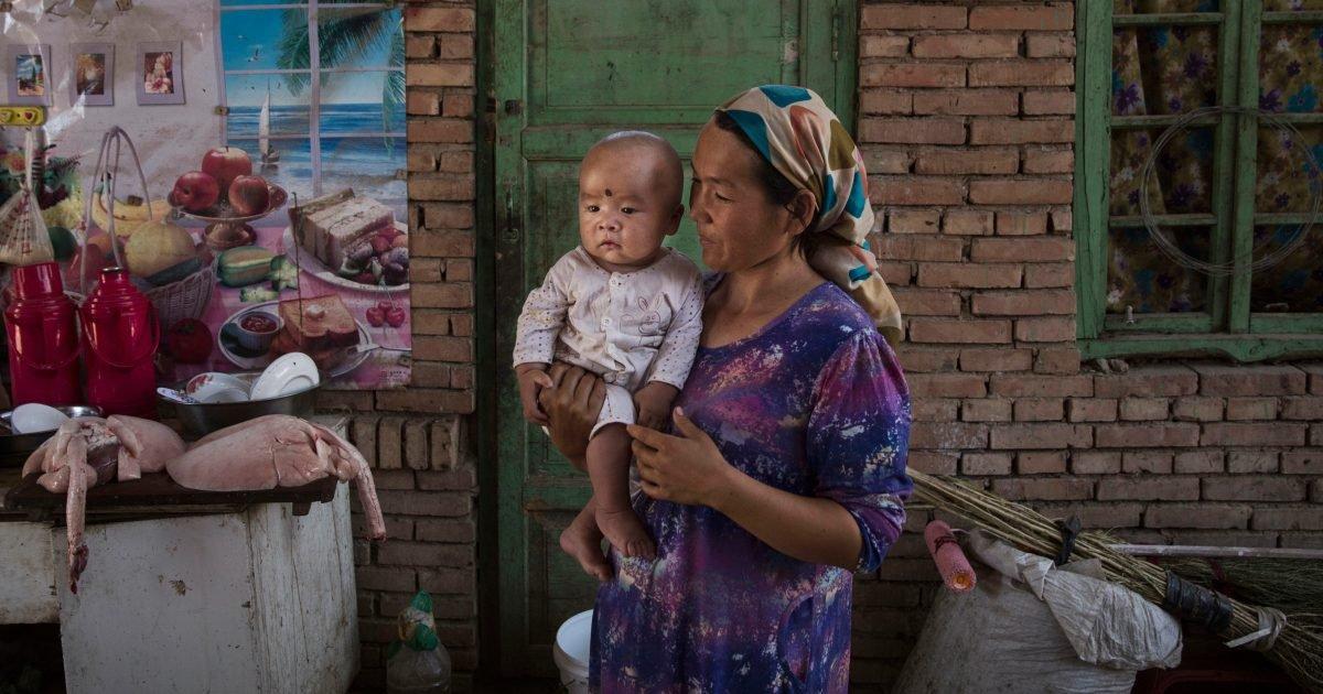 uighurs birth control e1593560447509.jpg?resize=1200,630 - Un rapport révèle que la Chine imposerait la stérilisation aux Ouïghours pour réduire leur population