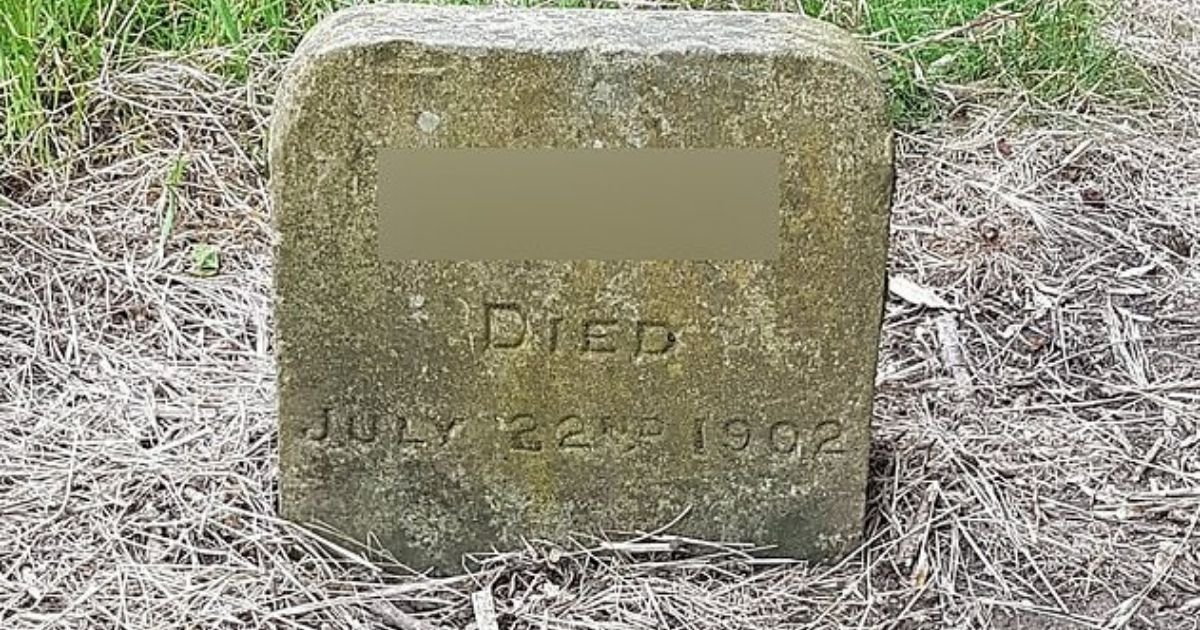 untitled design 1 5.jpg?resize=1200,630 - Memorial For Dog That Died In 1902 Removed From Graveyard Because Of His Offensive Name
