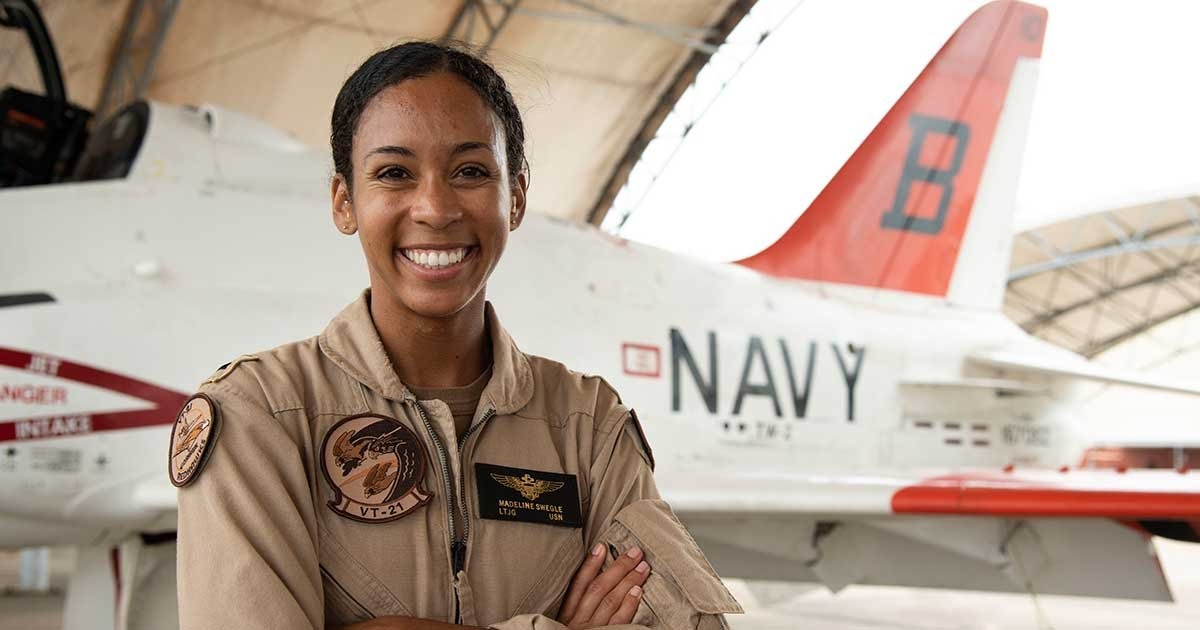 "200717 n ou681 1014.jpg?resize=1200,630 - US Navy's First Black Female Tactical Air Pilot Receives Her ""Wings Of Gold"""