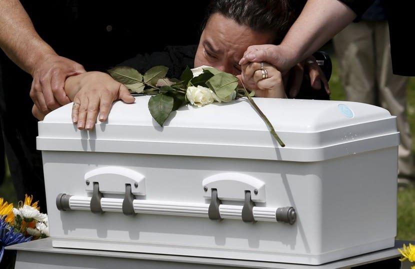 Realizar un funeral después de la muerte fetal, ¿es buena idea?