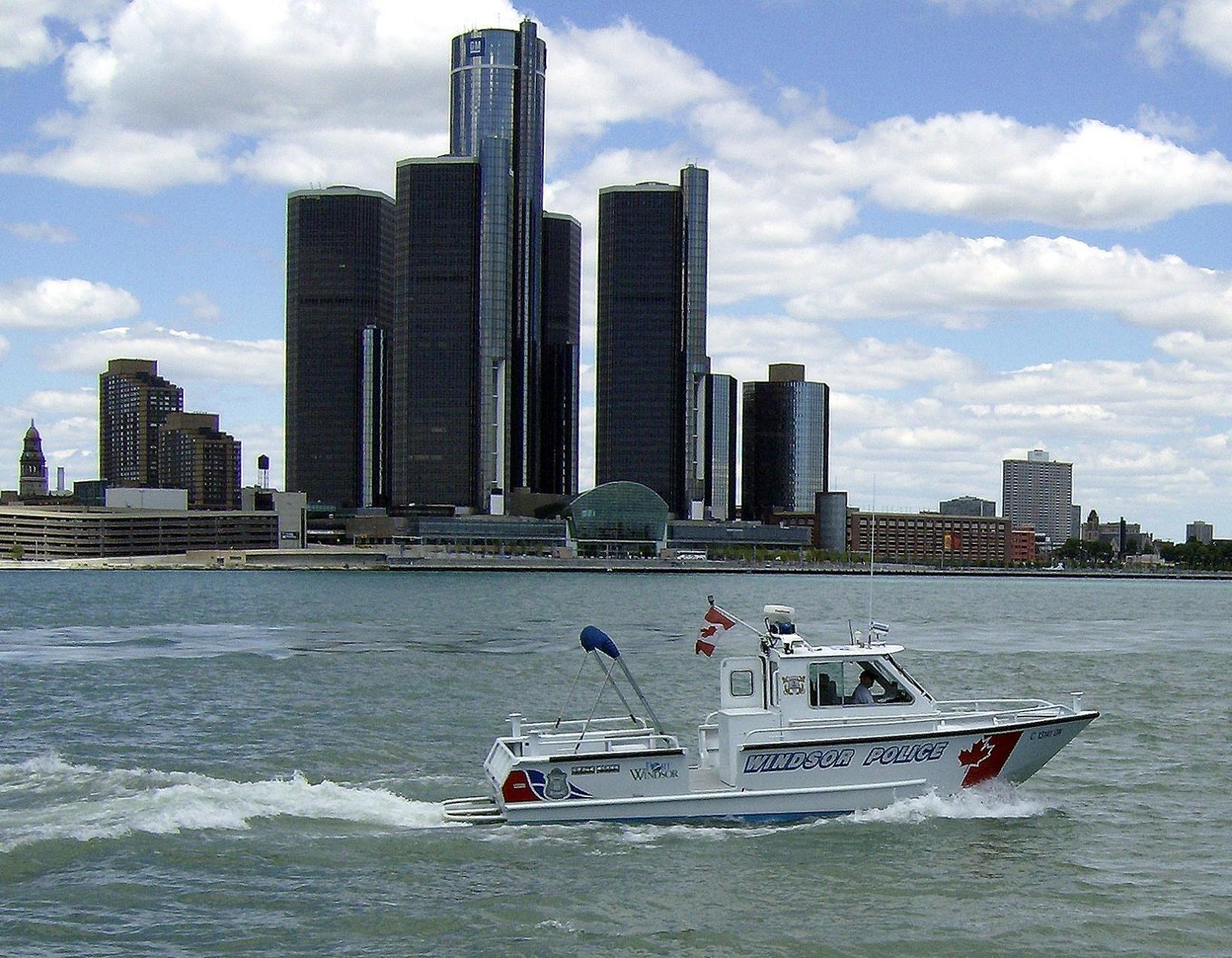 Detroit River - Wikipedia