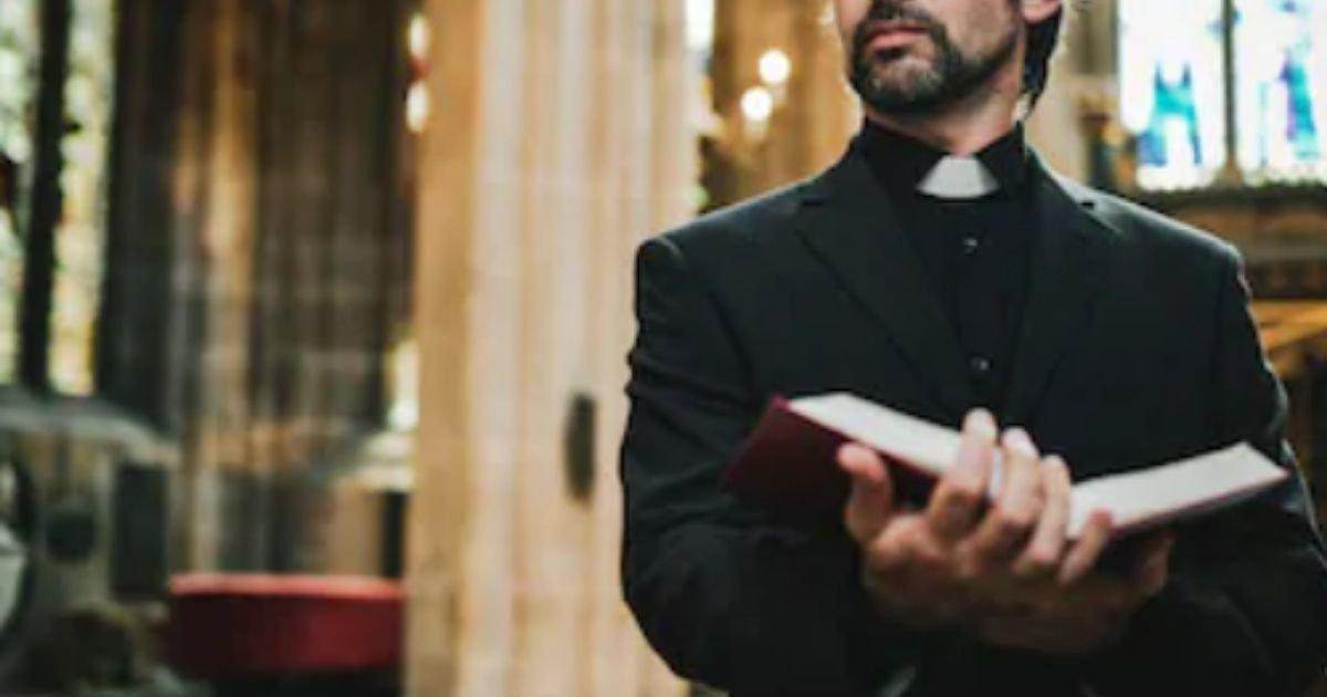 diseno sin titulo 2 2.jpg?resize=1200,630 - Pastor De Una Iglesia Pagó A Adolescentes Para Que Tuvieran Relaciones Con Su Esposa Y Les Pidió Fotos