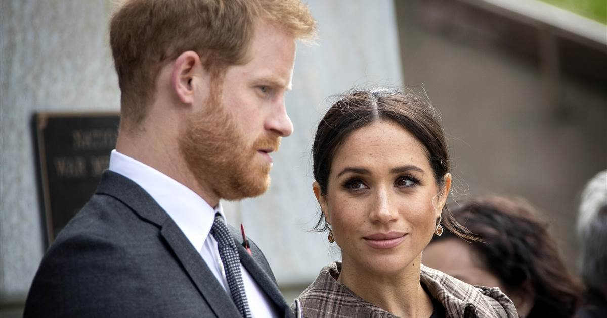 ec8db8eb84ac 1 10.jpg?resize=412,275 - Meghan & Harry's 'Finding Freedom' Biography Claims They Were Victims Of Sibling Infights