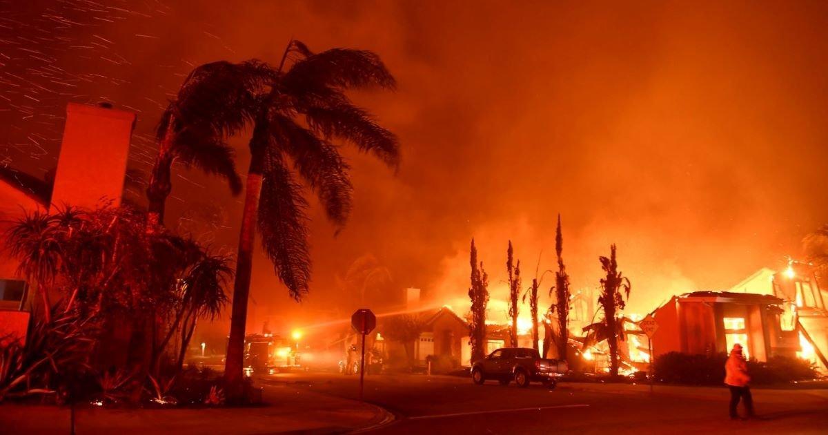 ec8db8eb84ac 3 20.jpg?resize=412,275 - California, Oregon And Colorado Devastated By Wildfires, Destroying 60,000 Acres